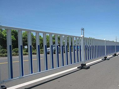 道路锌钢护栏安装